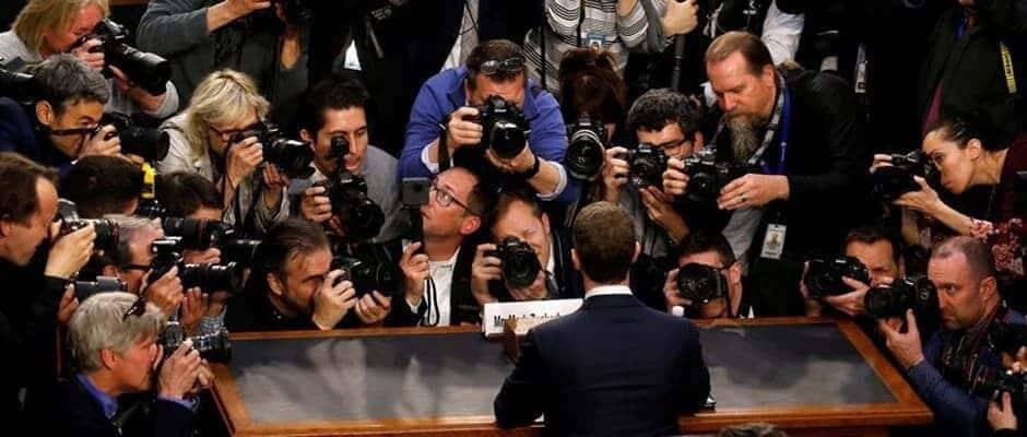 Perchè Mark Zuckerberg non ispira fiducia mentre parla?